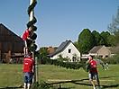 Maibaum aufstellen 2009_80