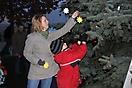 Weihnachtsbaum aufstellen 2010_28
